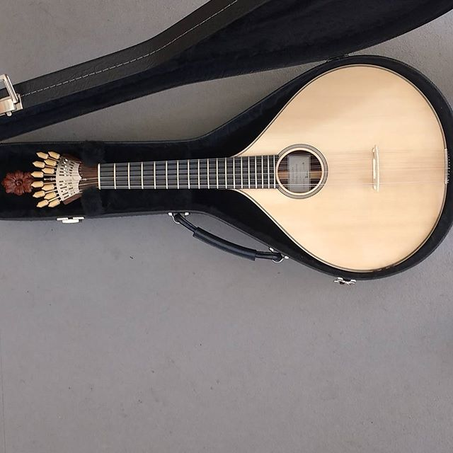 Guitarra Portuguesa do porto