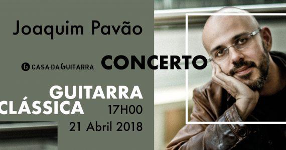 """Joaquim Pavão é compositor, guitarrista e cineasta. Nascido em 1975, vem trilhando um percurso artístico entre a música e o cinema e criando uma linguagem singular, onde a emotividade e o rigor se encontram. Tem realizado concertos e apresentado os seus filmes um pouco por todo o mundo. """"4 Elementos"""" (Janek Pfeifer, 2006), """"A Sesta"""" (Olga Roriz, 2007) e """"Foi o fio"""" (Patrícia Figueiredo, 2014) são alguns dos seus trabalhos de guitarra para cinema internacionalmente premiados. Realizou e compôs para """"Threads of time"""" (2013), """"Miragem"""" (2014) e """"Antes que a noite venha - falas de Antígona"""" (2017), igualmente premiados em vários festivais de cinema internacionais. Em 2017 lança o primeiro disco a solo, """"Avenidas""""."""