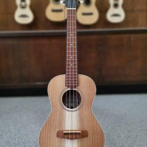Ukulele tenor de estilo ukulele_tenor clássico de viagem